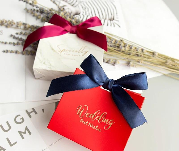 10 Classic Gifts that Every Couple Would Appreciate on Their Wedding Day