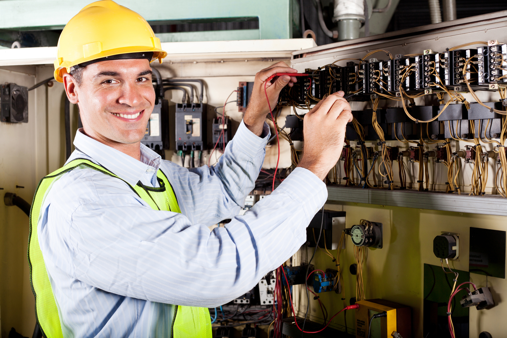 Why You Should Always Hire A Qualified Electrical Contractor